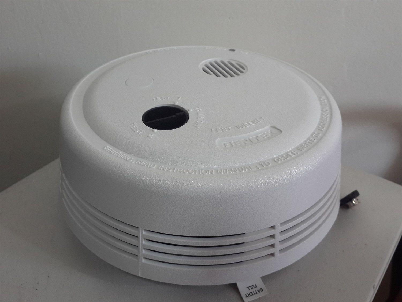 מודרני גלאי עשן | חגי אביתר מערכות מיגון אש HW-18